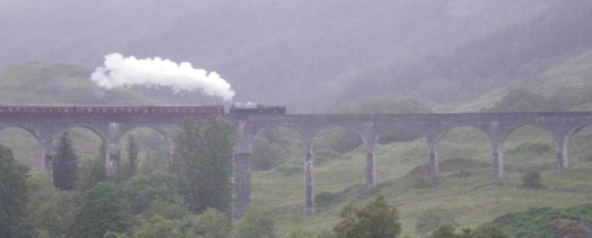 An Atmospheric Glenfinnan Monument.jpg